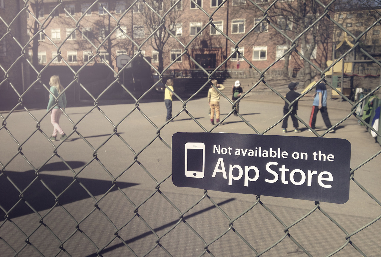 Not Available on the App Store 04